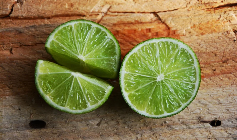 Vitamin C in limes